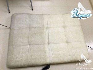 Диванная подушка с примером чистки