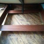 Отмытое пространство под кроватью