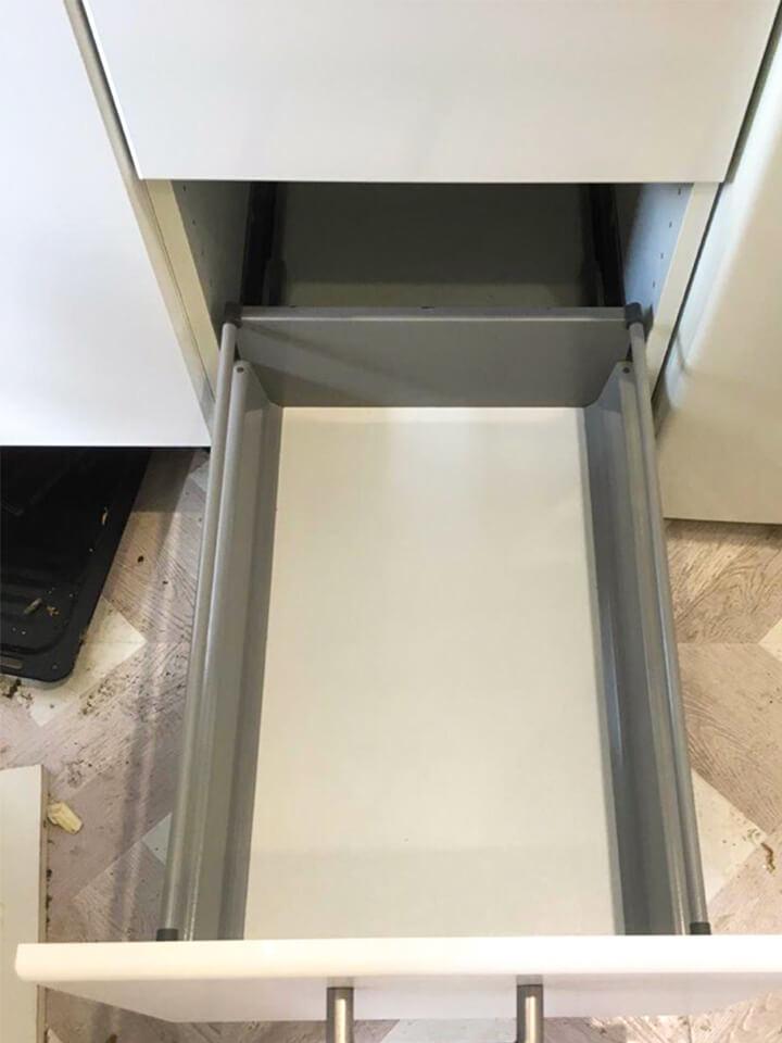 Выдвижной ящик стола после мойки