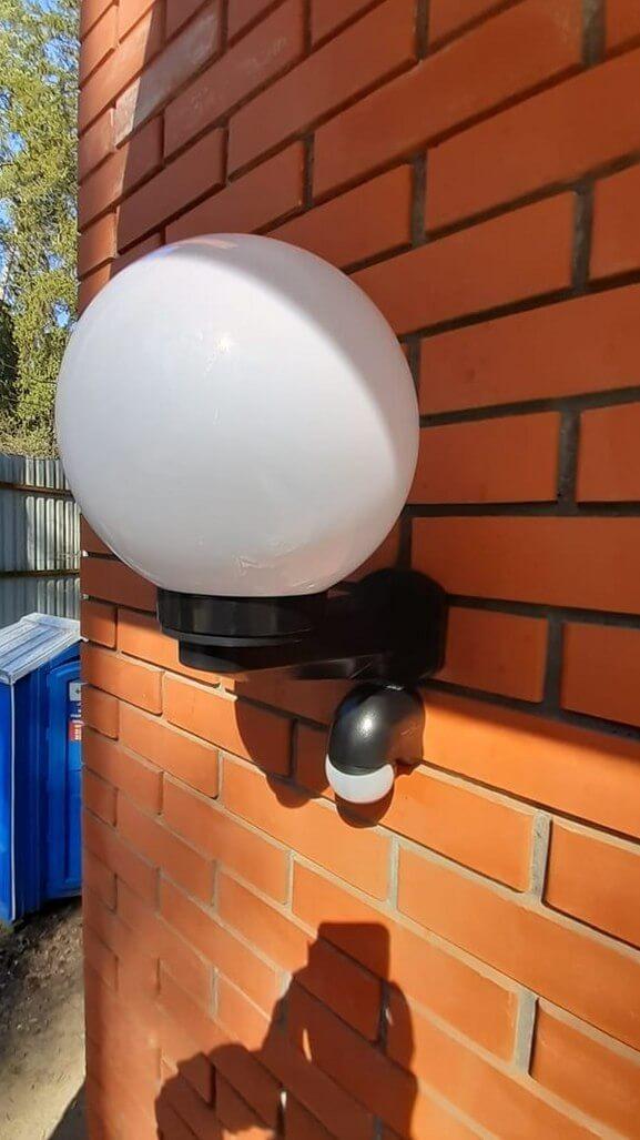 Чистый стеклянный плафон светильника