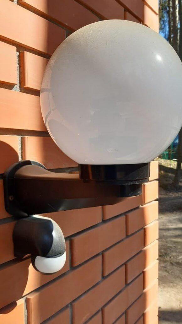 Стеклянный плафон светильника с пылью
