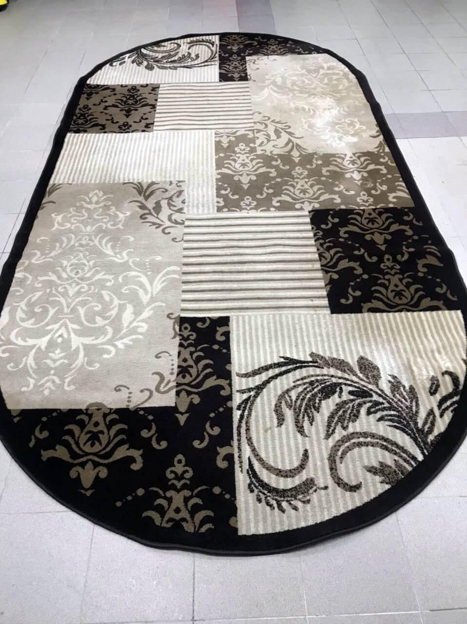 Черно-белый ковер после чистки
